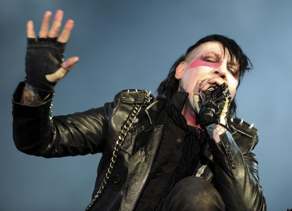 MARILYN MANSON industrial metal rock heavy shock gothic glam concert singer cg wallpaper
