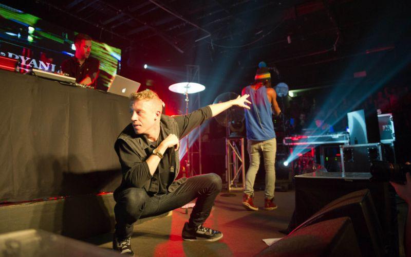 MACKLEMORE ryan lewis rap rapper hip hop concert microphone d wallpaper