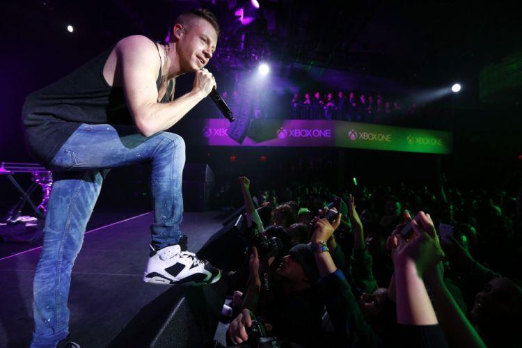 MACKLEMORE ryan lewis rap rapper hip hop concert microphone g wallpaper