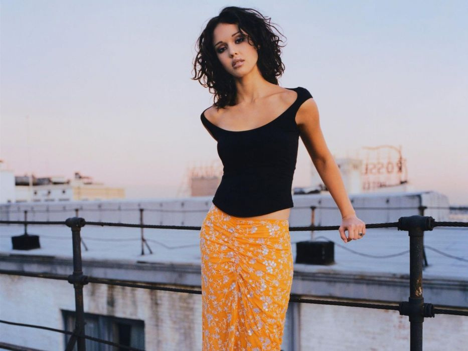 brunettes women Jessica Alba actress skirts curly hair shoulders wallpaper