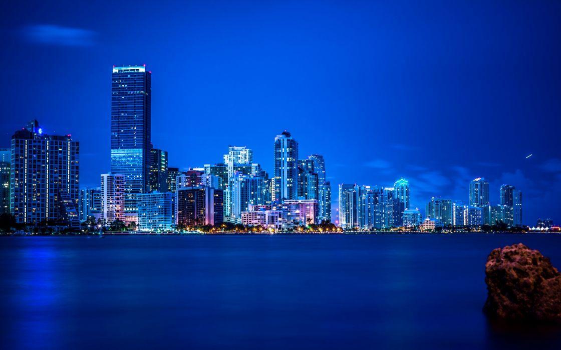 Miami night lights panorama vice city wallpaper