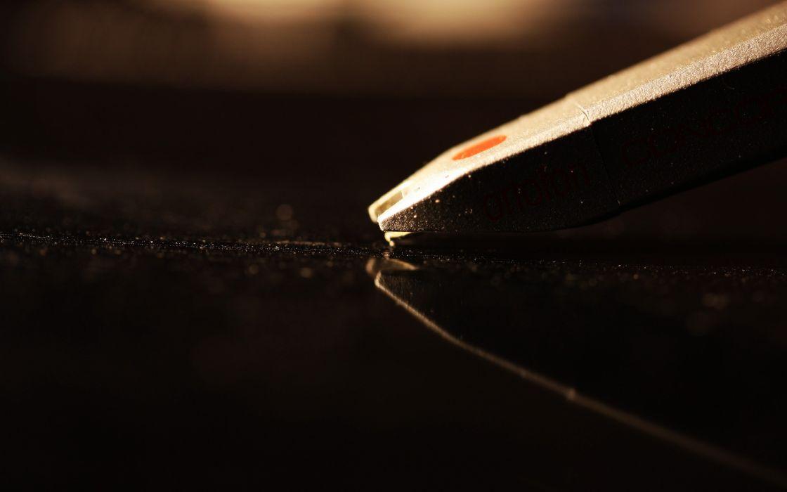 vinyl macro stylus wallpaper