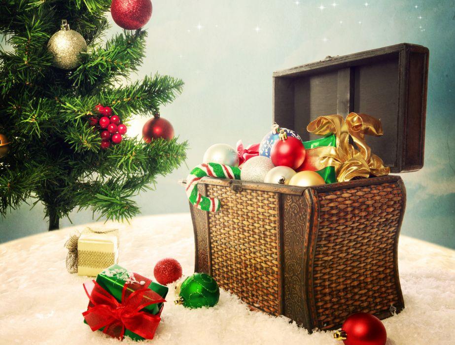 Holidays Christmas ( New year ) Balls Christmas tree Gifts wallpaper