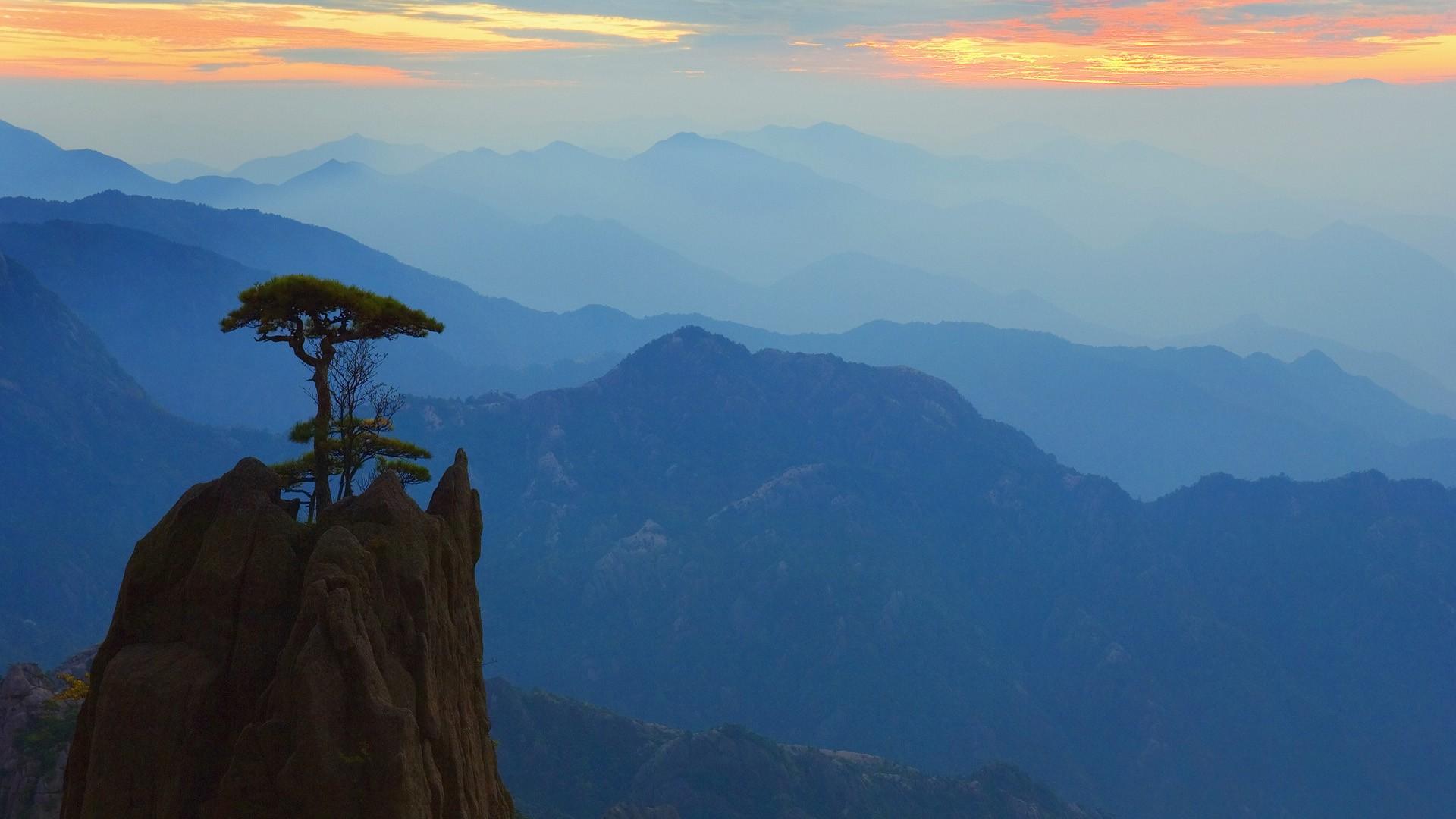 природа река горы скалы деревья облака  № 3796767  скачать