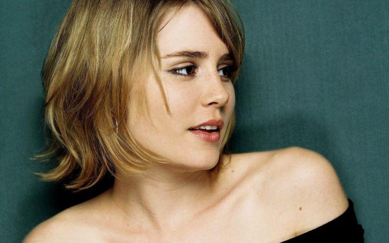 women celebrity Alison Lohman wallpaper
