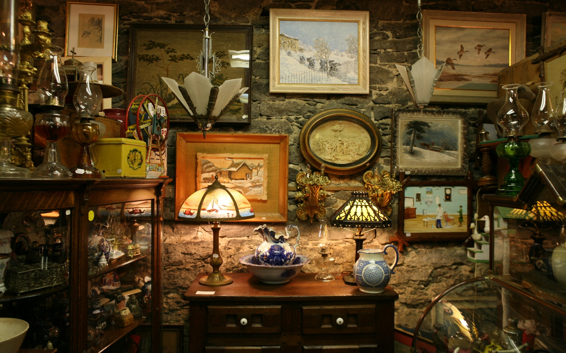 Antique Interior Design: Interior Antique Wallpaper