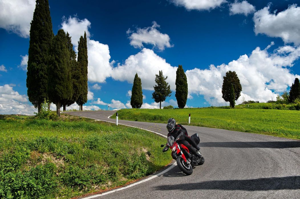 2014 Ducati Hyperstrada   g wallpaper