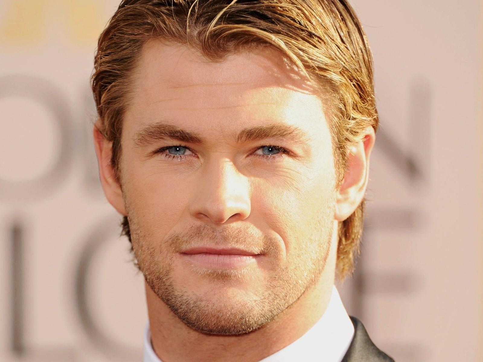 Blondes blue eyes men actors Chris Hemsworth faces ...