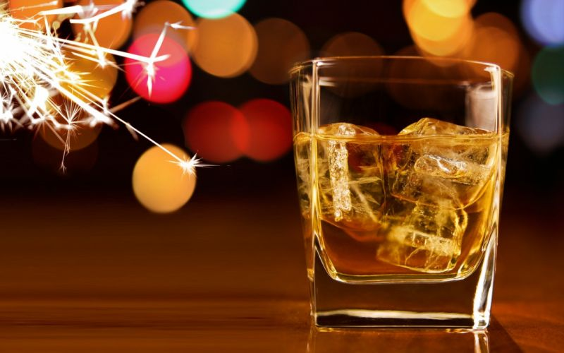 lights glass alcohol whiskey Christmas ice cubes wallpaper