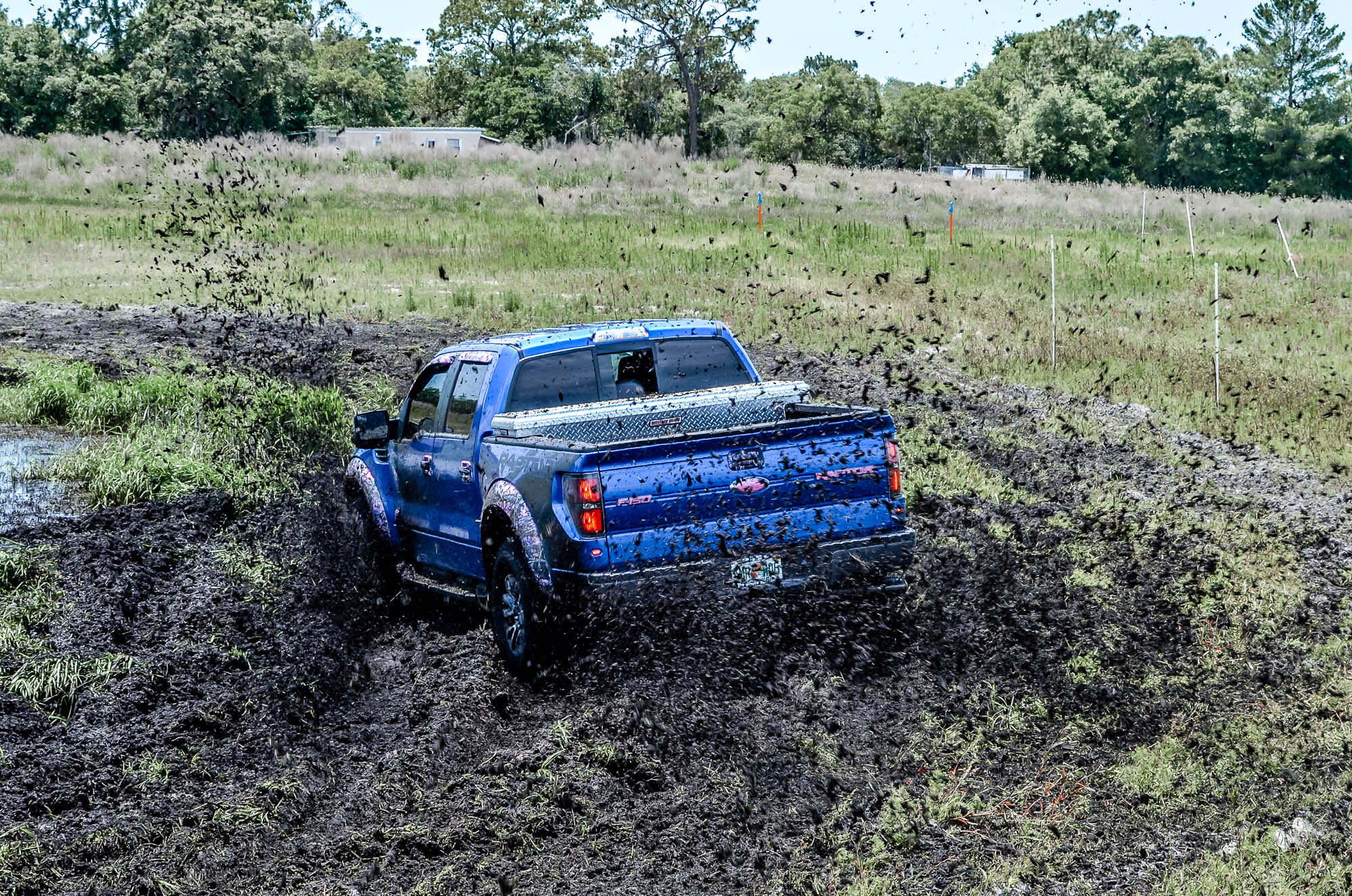 MUD-BOGGING 4x4 offroad race racing monster-truck race racing pickup