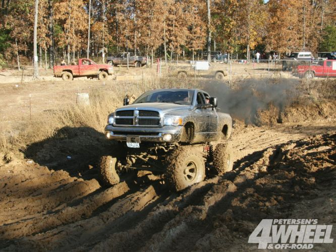 MUD-BOGGING 4x4 offroad race racing monster-truck race racing pickup dodge t wallpaper