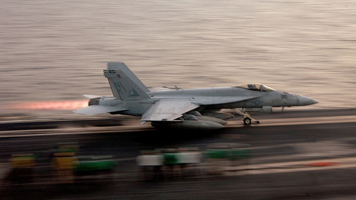 aircraft military navy take off vehicles aircraft carriers f-18