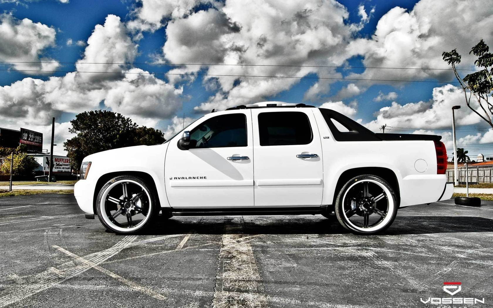 Cars Chevrolet Avalanche Vossen Wallpaper 1680x1050