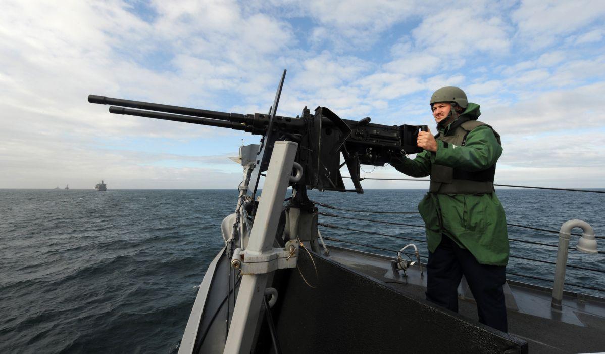 BROWNING M-2 50-cal Machine Gun weapon military rifle soldier   t wallpaper