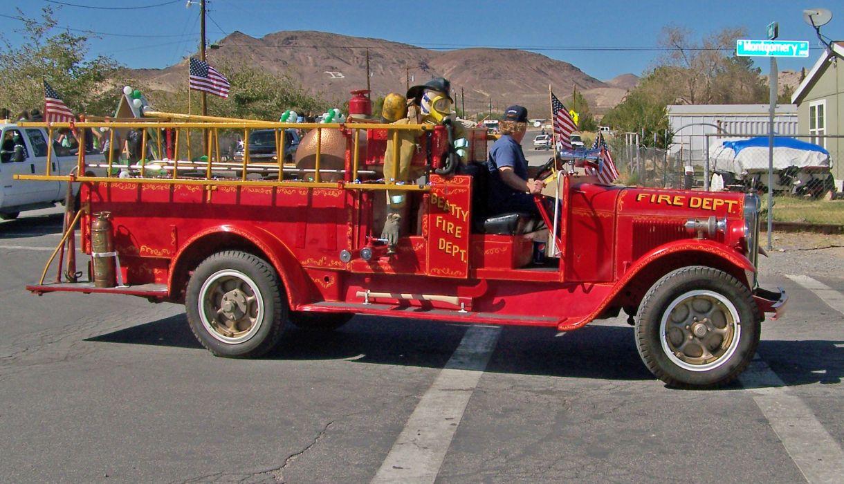 FIRETRUCK emergency retro semi tractor         g wallpaper
