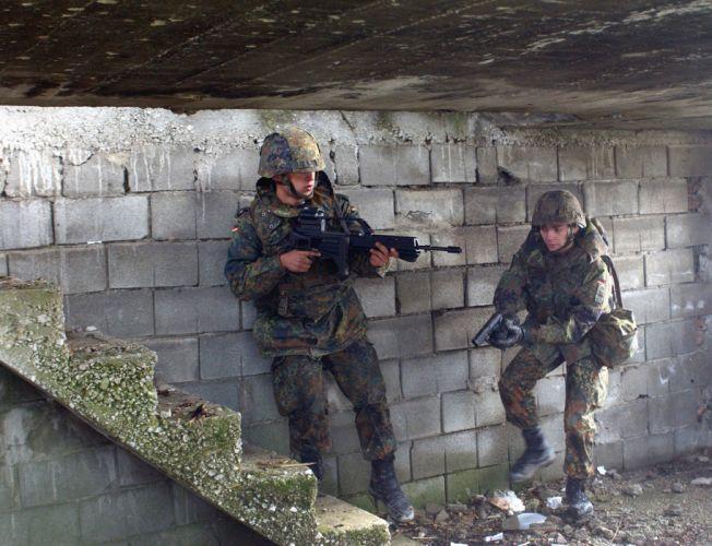 Heckler & Koch G36 weapon gun military rifle soldier f_JPEG wallpaper
