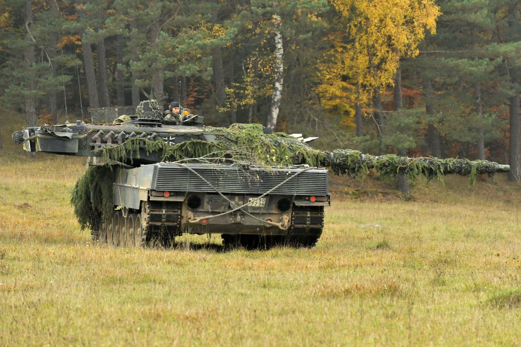 LEOPARD 2 TANK weapon military tanks leopard-2 soldier        g wallpaper