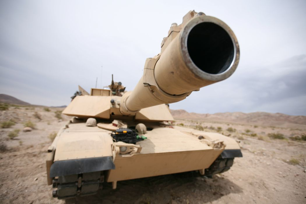 M1A1 ABRAMS TANK weapon military tanks    eq wallpaper