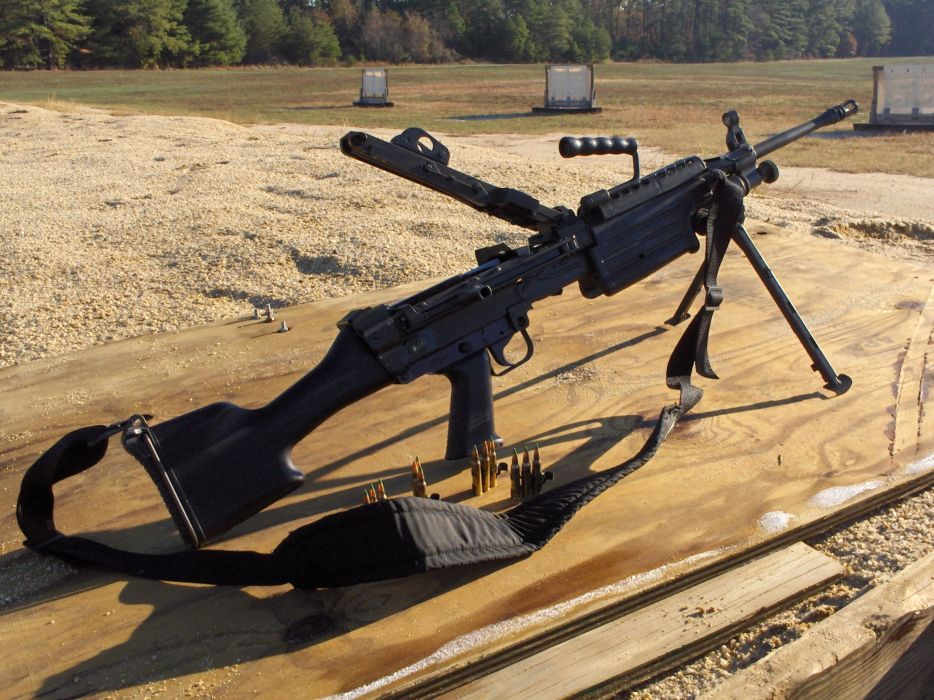 M249 SAW machine weapon gun military ammo e wallpaper