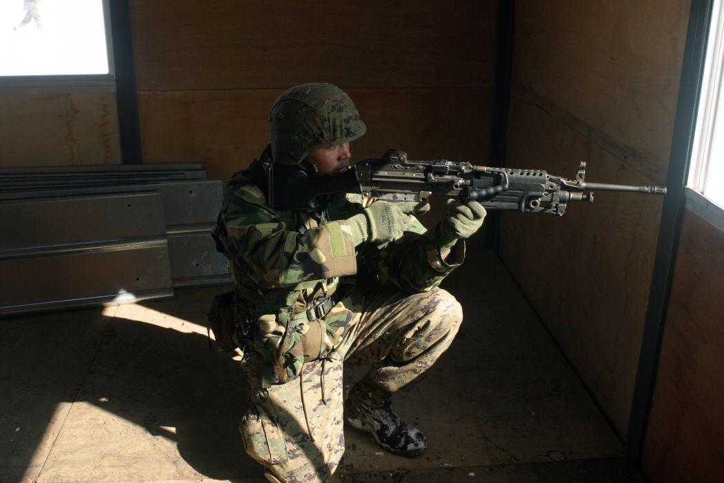 M249 SAW machine weapon gun military soldier   d wallpaper