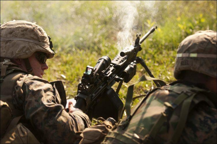M249 SAW machine weapon gun military soldier y wallpaper