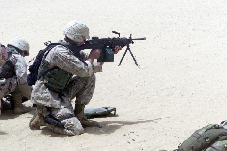 M249 SAW machine weapon gun military soldier t wallpaper