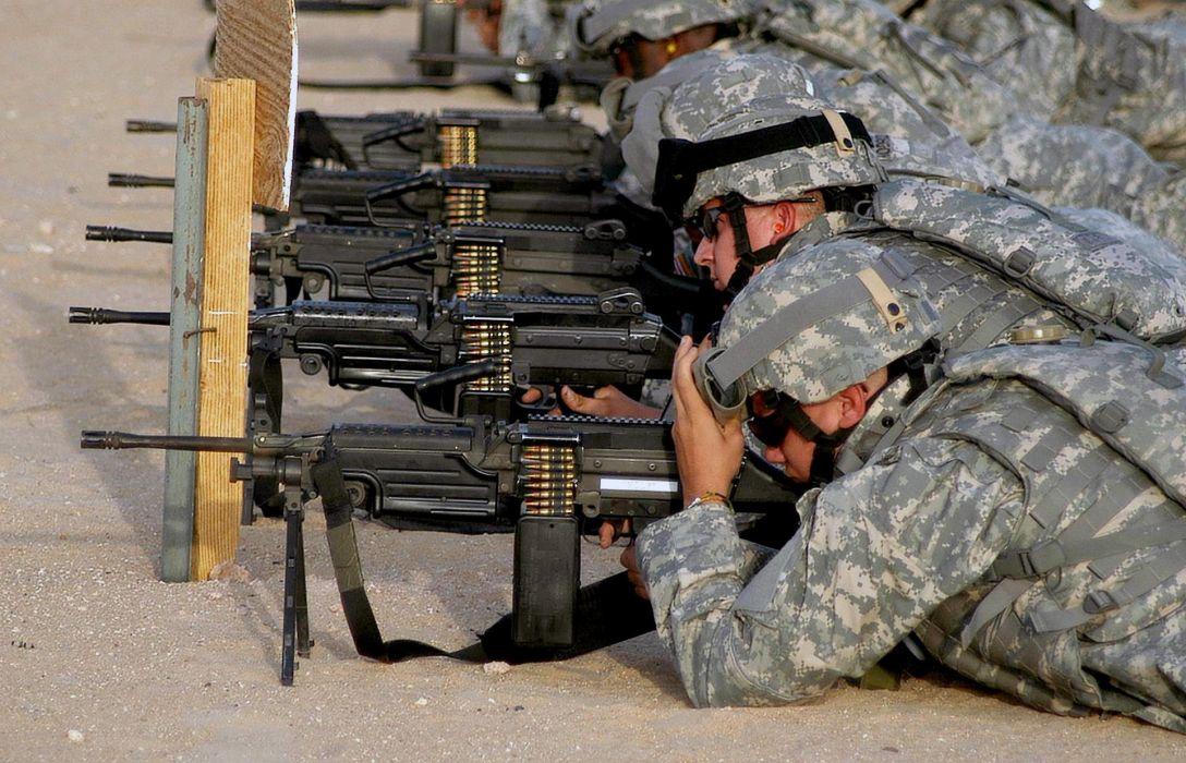 M249 SAW machine weapon gun military soldier ammo  d_JPEG wallpaper