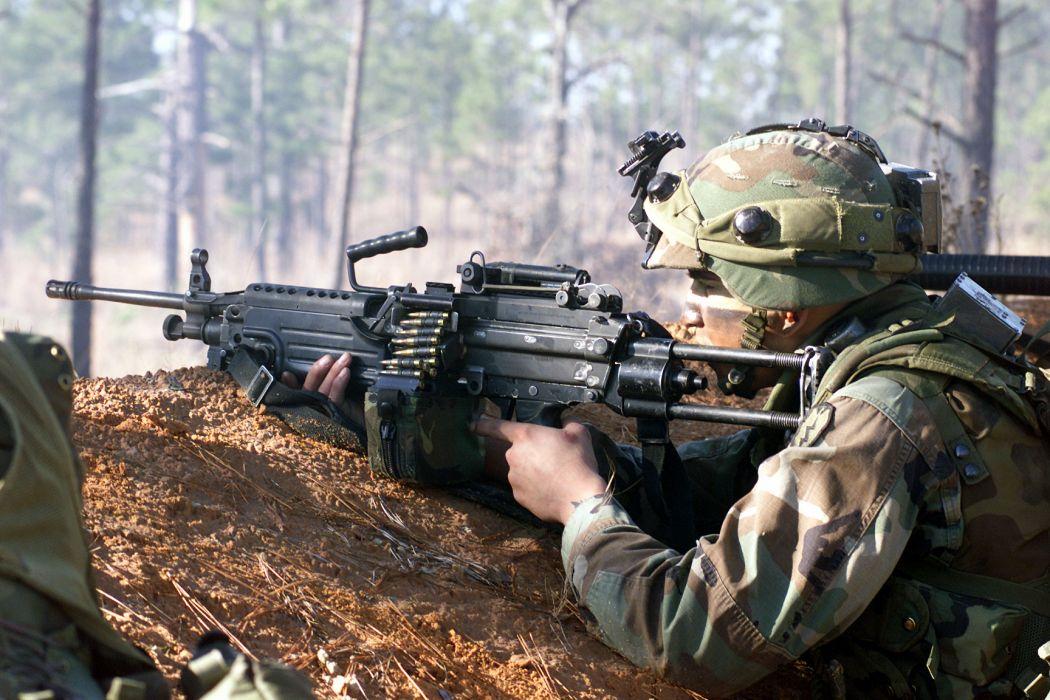 M249 SAW machine weapon gun military soldier ammo  t wallpaper