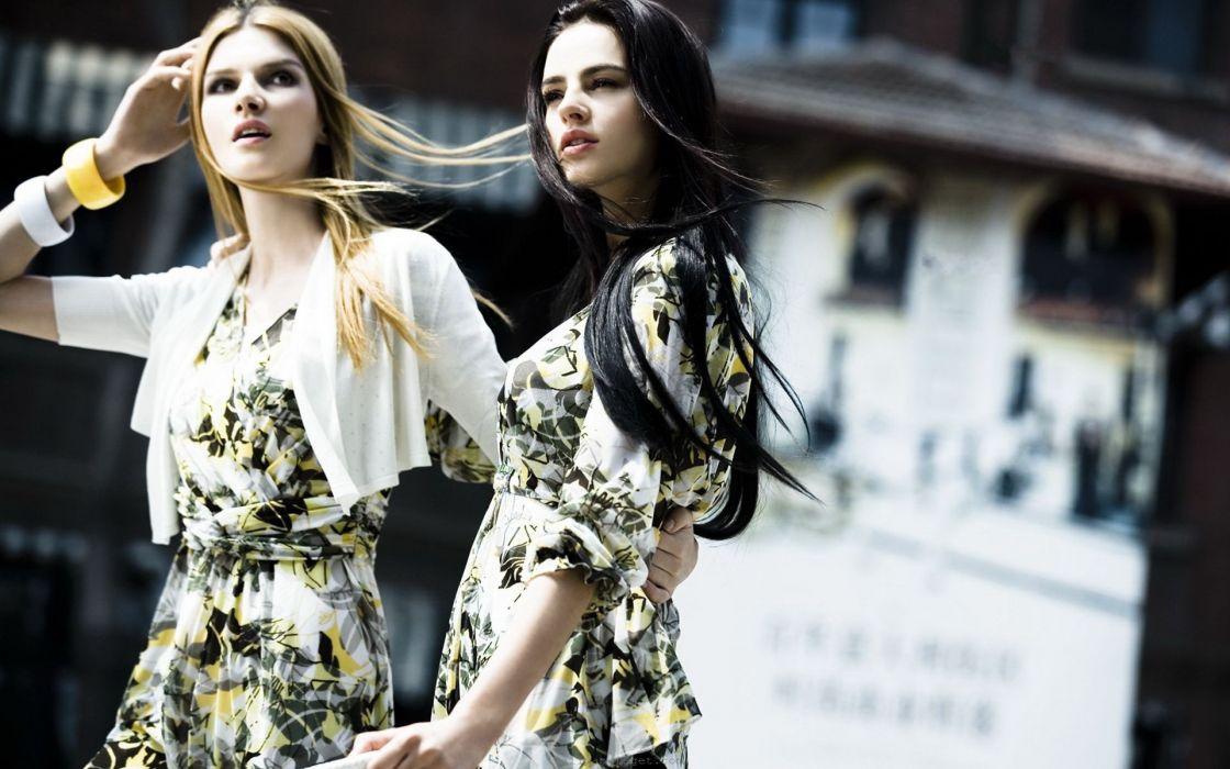 dress fashion clothing Vogue magazine exotic fashion model wallpaper
