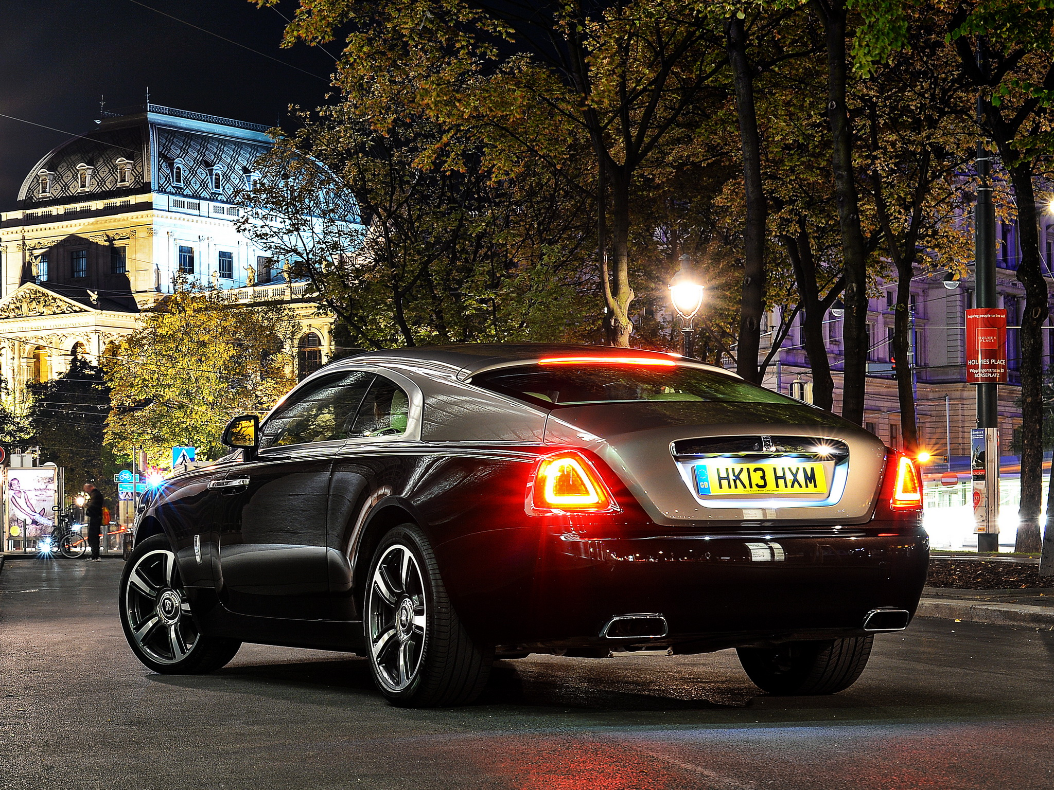 2013 Rolls Royce Wraith Luxury Supercar T Wallpaper