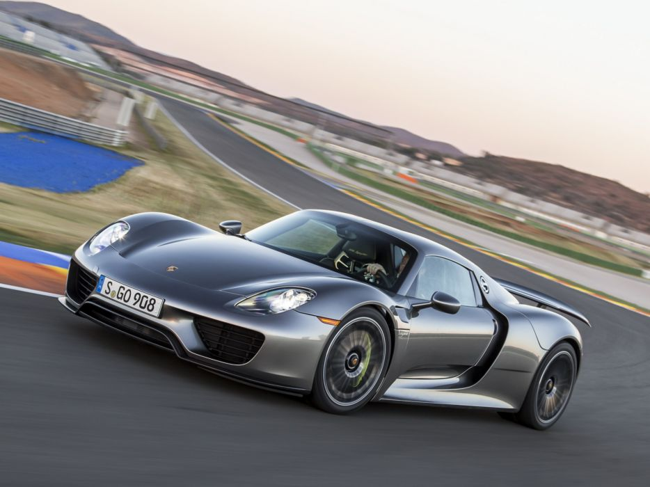 2014 Porsche 918 Spyder Supercar R Wallpaper