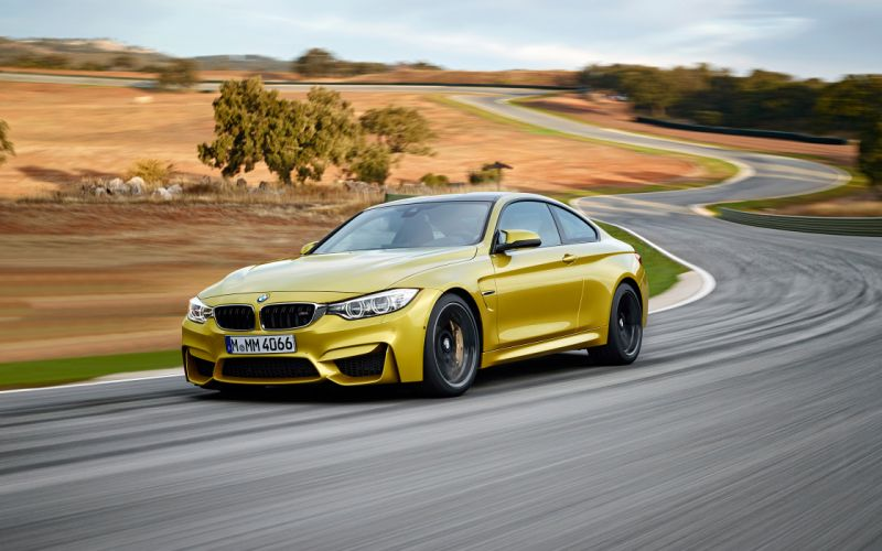 2015 BMW M-4 Coupe g wallpaper