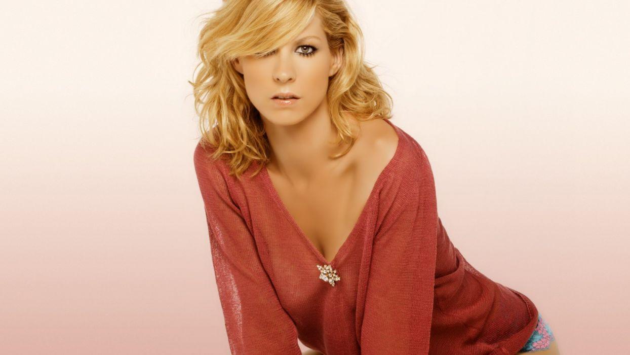 blondes women celebrity gray eyes Jenna Elfman wallpaper