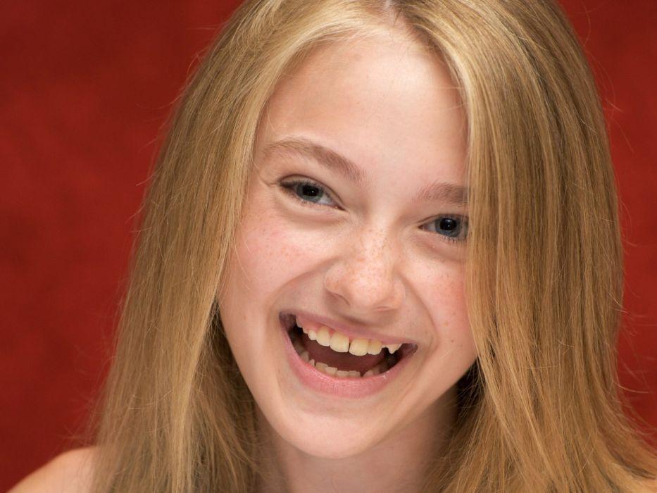 blondes women actress Dakota Fanning wallpaper