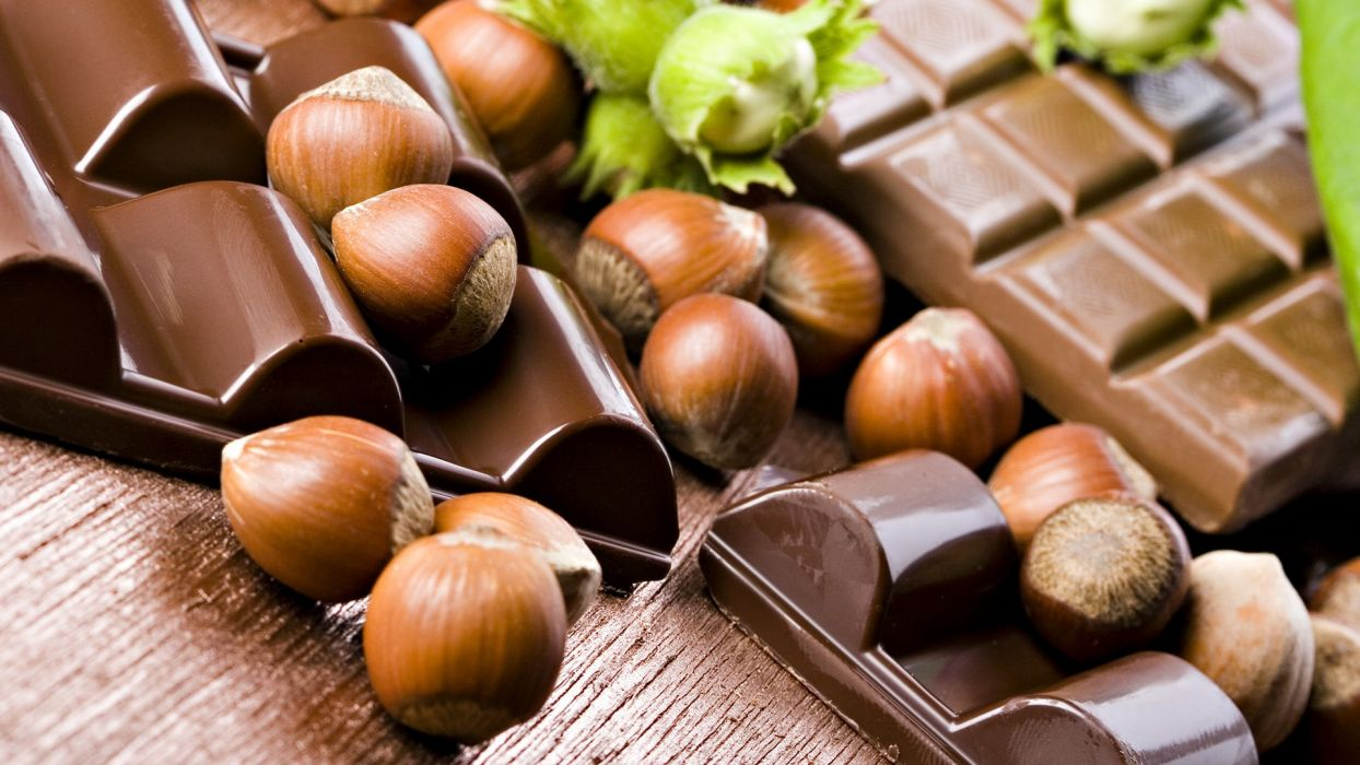 chocolate nuts wallpaper