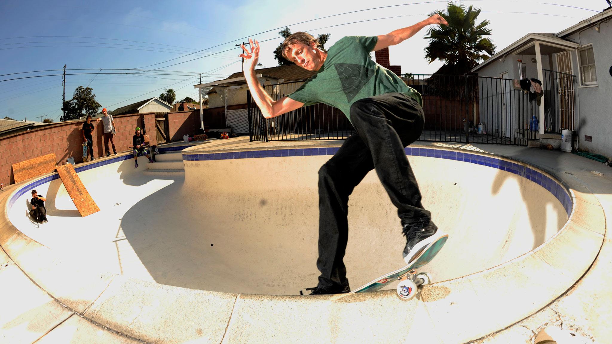 Backyard Skatepark Game : SKATEBOARD skateboarding skate d wallpaper  2048×1152  195110