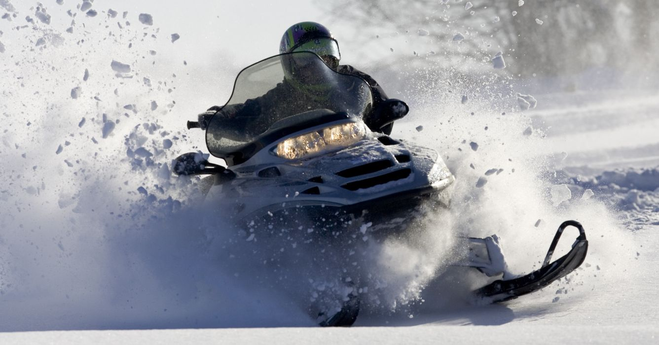snowmobile winter snow     gh wallpaper
