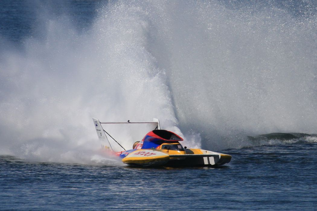 UNLIMITED-HYDROPLANE race racing jet hydroplane boat ship hot rod rod   g wallpaper