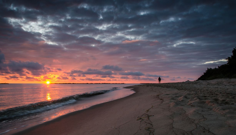 beach dawn walk morning sea mood     g wallpaper