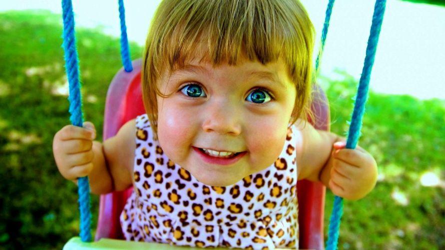 girl swing baby mood wallpaper