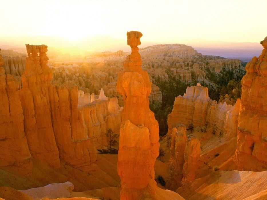 sunrise Thor hammer Bryce Canyon Utah colors wallpaper