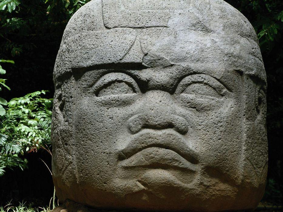 Olmec head wallpaper