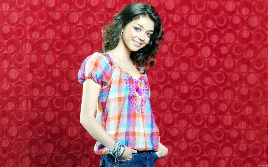 women actress models celebrity Sarah Hyland wallpaper