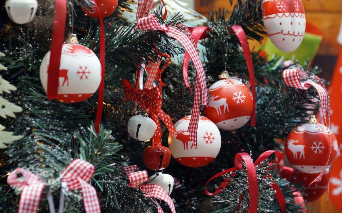 beads bows tree wallpaper