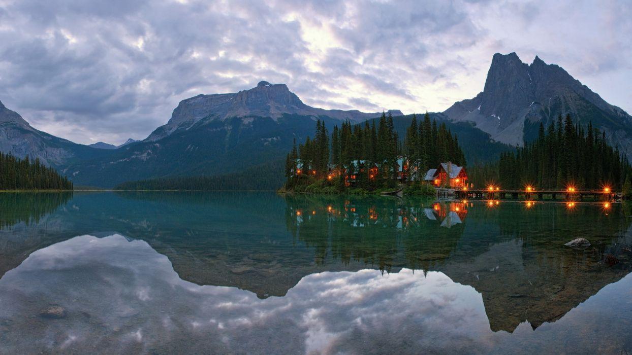 Canada Yoho National Park Lake Emerald mountains houses lights reflection morning sunrise wallpaper
