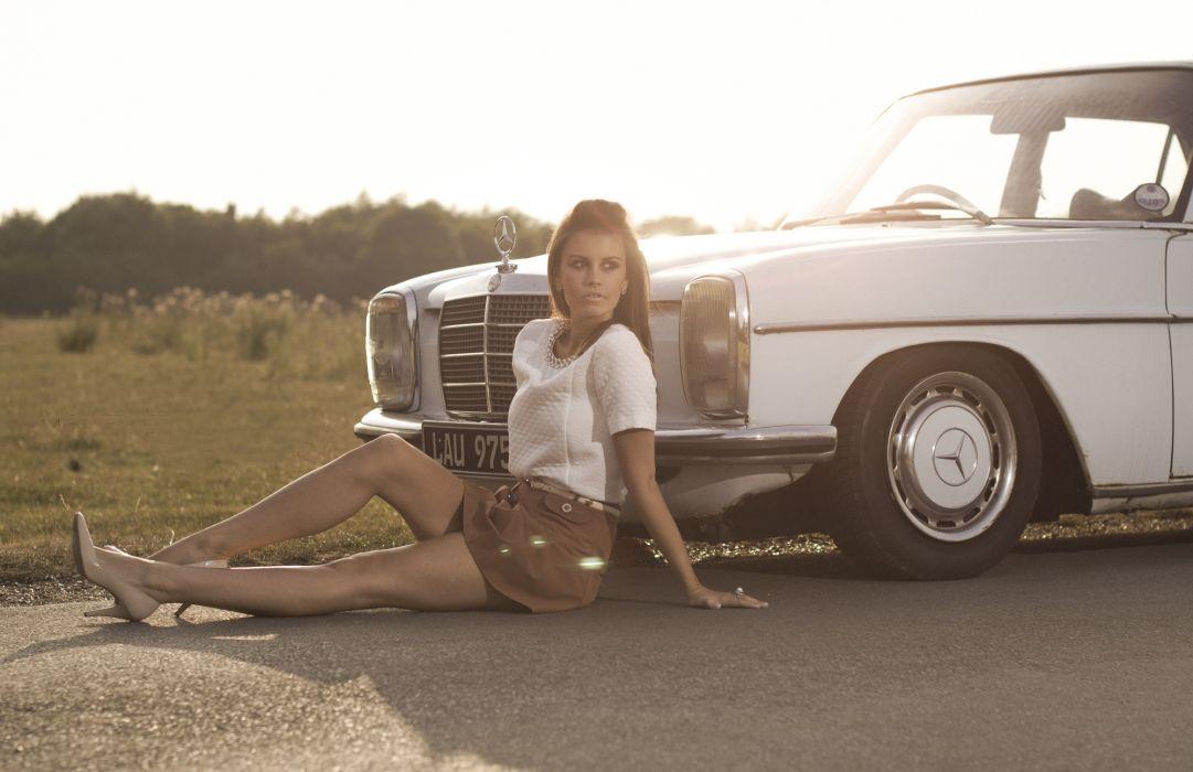 girl Mercedes field sun wallpaper