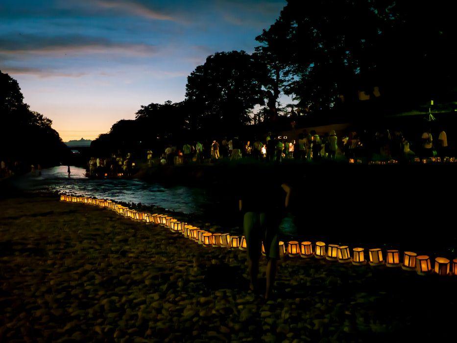Japanese lantern lamp light asian oriental bokeh river       f wallpaper