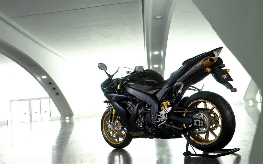 motorbikes yamaha R1 wallpaper