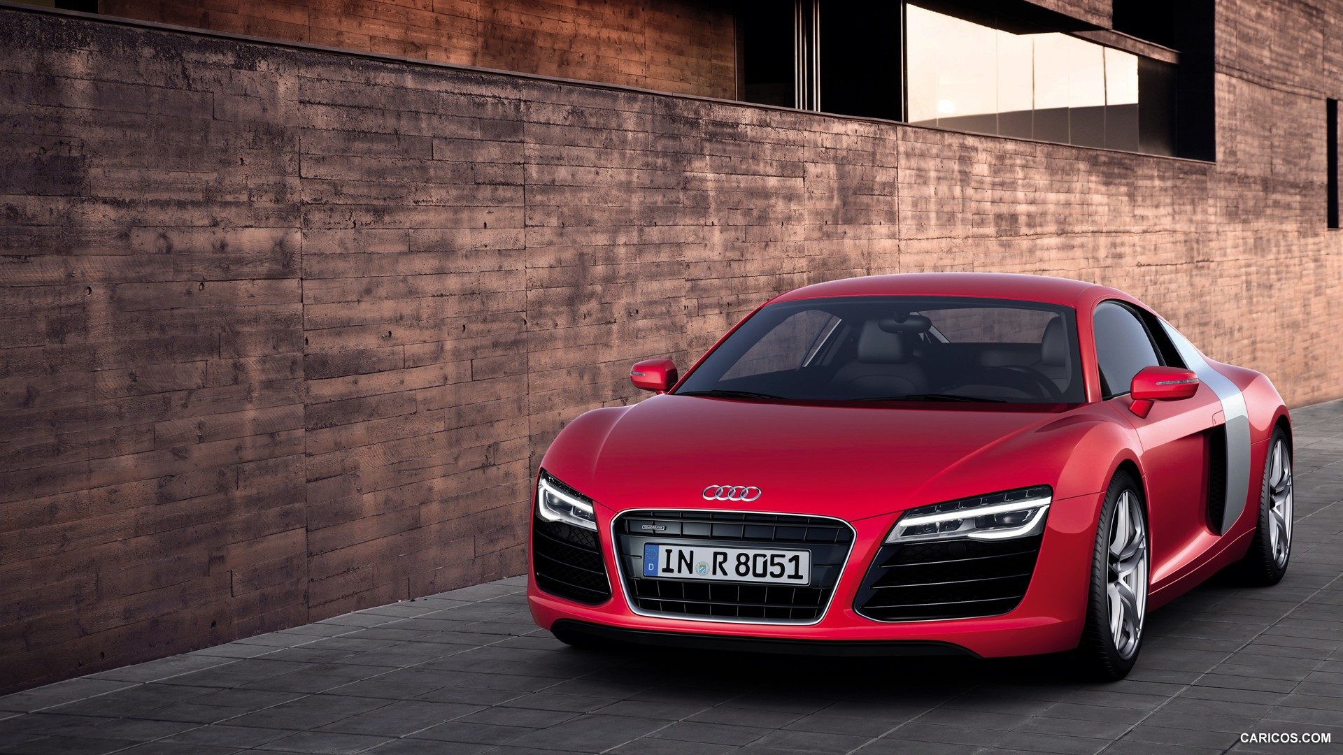 Audi R8 2013 Luxury Sport Car Wallpaper