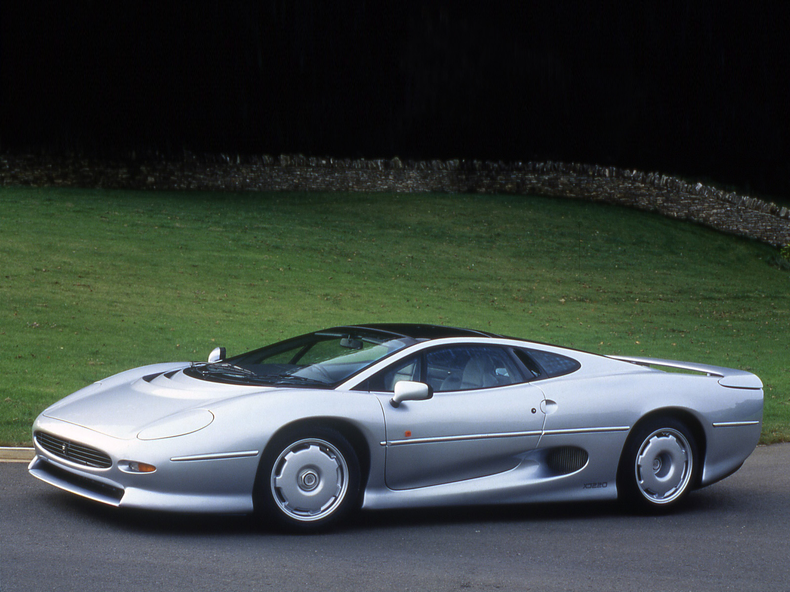 1992 Jaguar XJ220 UK Spec Supercar F Wallpaper 1600x1200